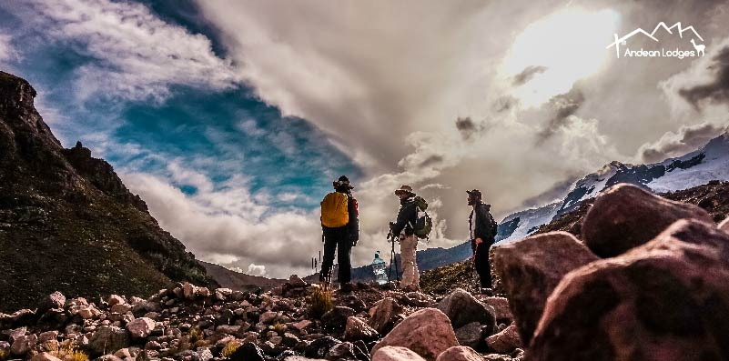 THE HEALTH BENEFITS OF HIKING AT HIGH ALTITUDE IN PERU'S MOUNTAINS