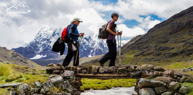 CHECK OUT THE OUTDOOR GEAR OUR EXPERTS RECOMMEND FOR HIGH-ALTITUDE TREKKING