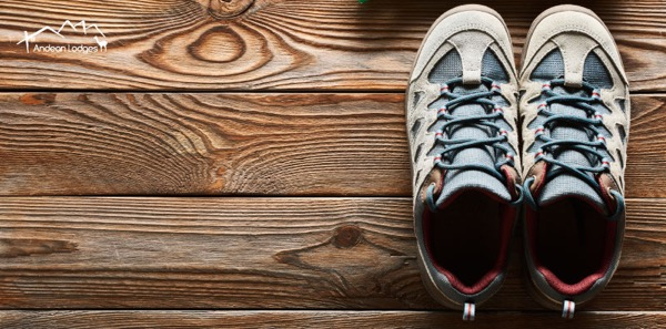BE SURE THAT YOU'RE WEARING THE PROPER FOOTWEAR FOR MOUNTSAIN TREKKING – CHECK OUT THESE SUGGESTIONS FROM OUR EXPERT HIKERS