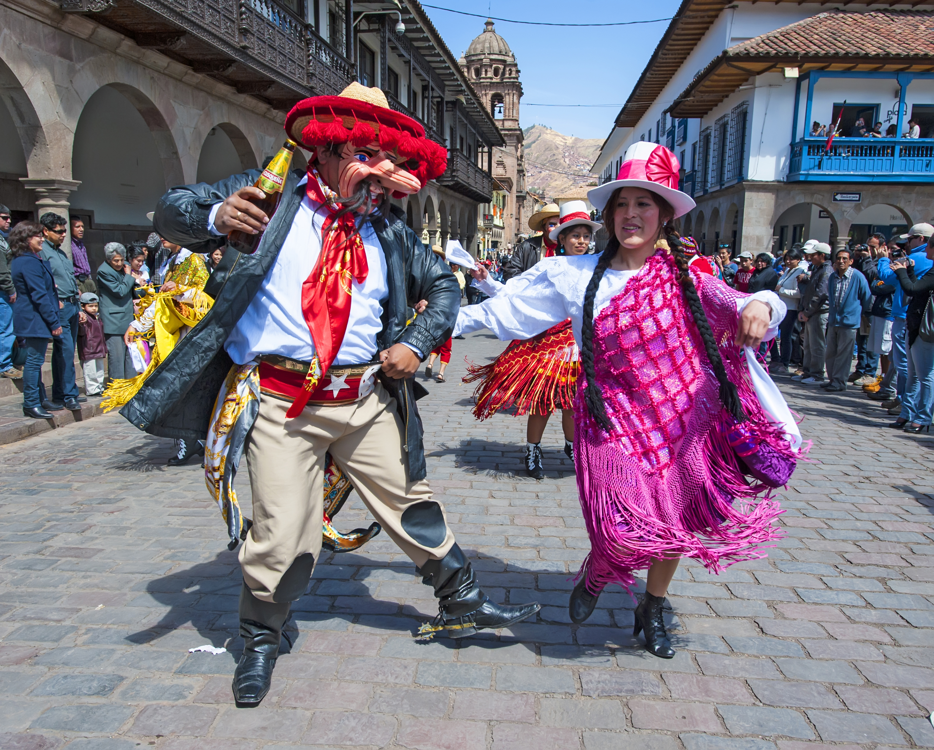 Compadres and Comadres Days: Celebrations inaugurating Cusco's famous Carnival season