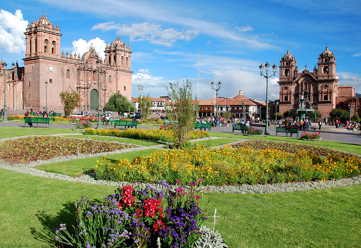 Come visit, live life fully and fall in love with Cusco