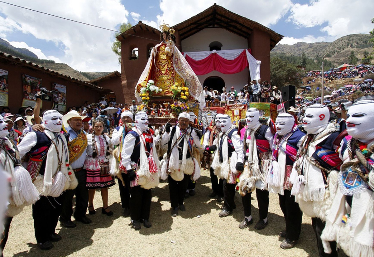 Religion in peru: Virgen del Rosario Festivities in Peru